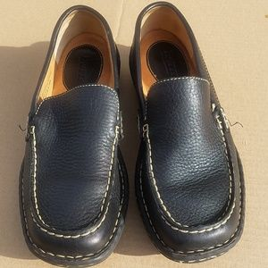 BORN shoes size 8. DETAILS. see pics upclose